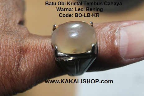Batu obi warna leci bening kristal tembus cahaya